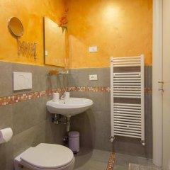 Отель Ridolfi Guest House 2* Стандартный номер с двуспальной кроватью (общая ванная комната) фото 3