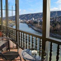 Hotel Old Tbilisi 3* Номер Делюкс двуспальная кровать фото 13