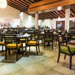 Отель Avani Kalutara Resort питание фото 3
