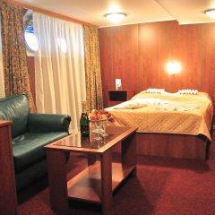 Hotel-ship Petr Pervyi Стандартный семейный номер с двуспальной кроватью