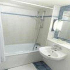 Hotel Campanile Millau ванная