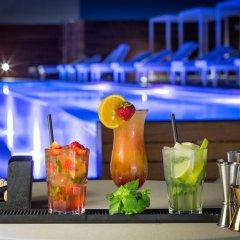 Отель One Ibiza Suites гостиничный бар