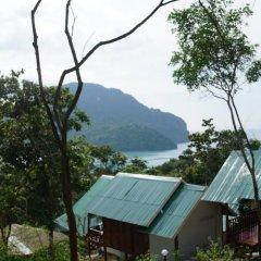 Отель Phi Phi Dusit Bungalow пляж