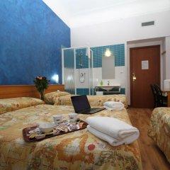 Hotel Brasil Milan Стандартный номер с различными типами кроватей (общая ванная комната) фото 6