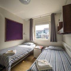 Отель LSE Carr-Saunders Hall 2* Стандартный номер с 2 отдельными кроватями (общая ванная комната) фото 5
