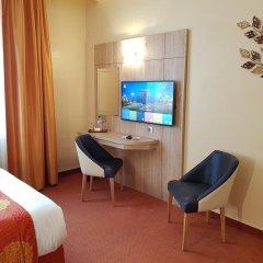 Отель Champerret Elysees Париж удобства в номере