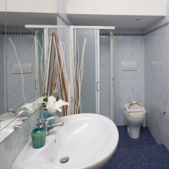 Отель A Due Passi Dall'Accademia Италия, Флоренция - отзывы, цены и фото номеров - забронировать отель A Due Passi Dall'Accademia онлайн ванная