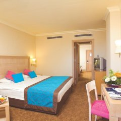 Отель Crystal De Luxe Resort & Spa – All Inclusive 5* Стандартный семейный номер с разными типами кроватей фото 3