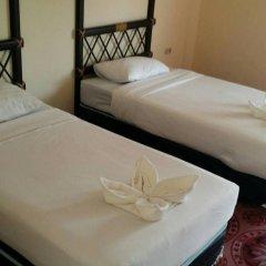 Отель Baan Kaew Ruen Kwan 2* Номер Эконом с 2 отдельными кроватями фото 2