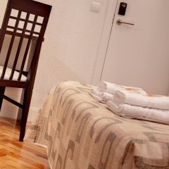 Отель Hostal Besaya Стандартный номер с различными типами кроватей фото 10