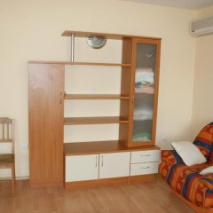 Апартаменты Gt Sunny Fort Apartments Солнечный берег комната для гостей фото 2
