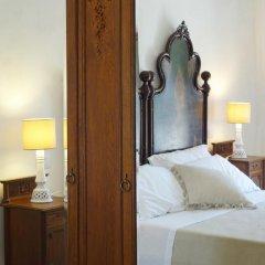 Отель Casina Bardoscia Relais Кутрофьяно сейф в номере