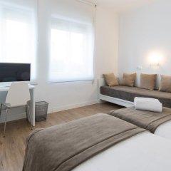 Отель NeoMagna Madrid 2* Улучшенный номер с различными типами кроватей фото 6