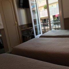 Отель Hôtel Acanthe 2* Стандартный номер с различными типами кроватей фото 3