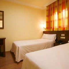 Отель Hostal Victoria I Стандартный номер с двуспальной кроватью фото 2