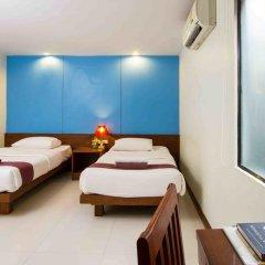 Отель Baan Karon Resort 3* Стандартный семейный номер с двуспальной кроватью фото 4