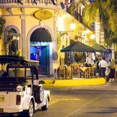 Отель Las Flores Beach Resort гостиничный бар
