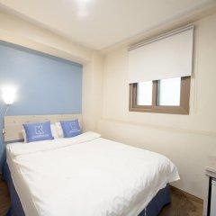 Отель K-guesthouse Sinchon 2 2* Номер категории Эконом с различными типами кроватей фото 2