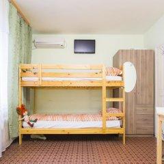 Хостел Олимп Стандартный семейный номер с двуспальной кроватью (общая ванная комната) фото 8