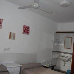 Отель Hostal Las Nieves Стандартный номер с 2 отдельными кроватями (общая ванная комната) фото 11