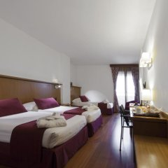 Отель Carlyle Brera 4* Улучшенный номер