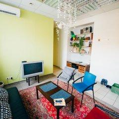 V4Vilnius Hostel Кровать в женском общем номере с двухъярусной кроватью