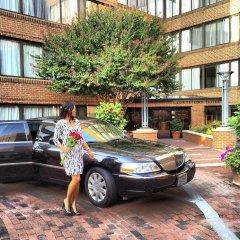 Отель Georgetown Suites парковка