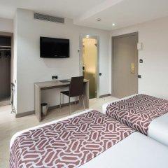 Отель Catalonia Park Güell 3* Номер категории Премиум с различными типами кроватей фото 8