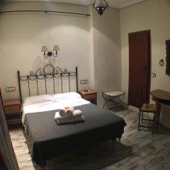 Отель Hostal La Plata Стандартный номер с двуспальной кроватью фото 6