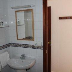 Отель Hostal Las Nieves Стандартный номер с различными типами кроватей фото 4