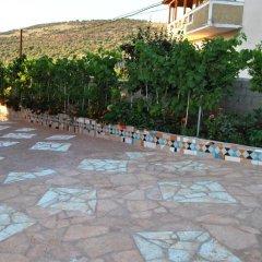 Отель Albanian Happines Guesthouse парковка