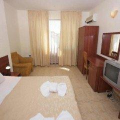 Hotel Yalta 3* Стандартный семейный номер с разными типами кроватей фото 10