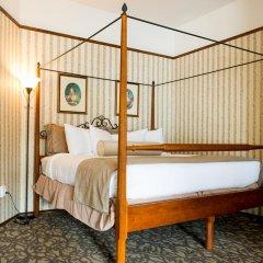 Отель The Gatsby Mansion Канада, Виктория - отзывы, цены и фото номеров - забронировать отель The Gatsby Mansion онлайн сейф в номере