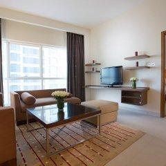 Отель Grand Millennium Al Wahda 5* Улучшенный номер с различными типами кроватей фото 3