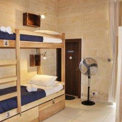 Two Pillows Boutique Hostel Кровать в общем номере с двухъярусной кроватью фото 10