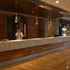 Port Side Resort Hotel интерьер отеля