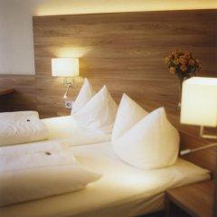 Hotel Jedermann 2* Улучшенный номер с двуспальной кроватью фото 11