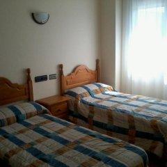 Отель Hostal Linares комната для гостей фото 3