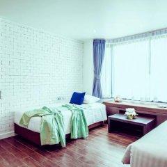 Raha Grand Hotel сейф в номере