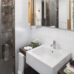Отель ME Madrid Reina Victoria 4* Люкс с различными типами кроватей фото 5