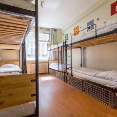 Отель Ahoy! NewTown Кровать в общем номере с двухъярусной кроватью фото 4