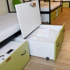 Little Quarter Hostel Кровать в общем номере с двухъярусной кроватью