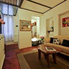 Апартаменты Pitti Glamour Apartment комната для гостей фото 4
