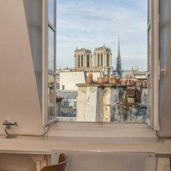 Отель Notre Dame Paris Flat Париж комната для гостей фото 5