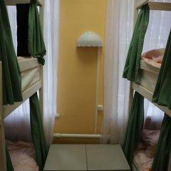Хостел Пара Тапок на Маяковской Кровать в женском общем номере с двухъярусной кроватью фото 10