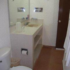 Sands Acapulco Hotel & Bungalows 2* Бунгало с разными типами кроватей фото 12