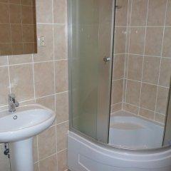 Гостиница Астория 3* Кровать в мужском общем номере с двухъярусной кроватью фото 7