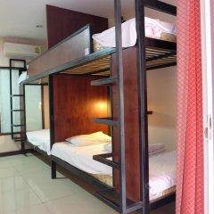Dengba Hostel Phuket Кровать в общем номере с двухъярусной кроватью фото 10