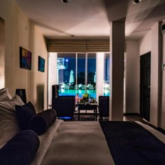 Отель Cantaloupe Levels 5* Улучшенный номер