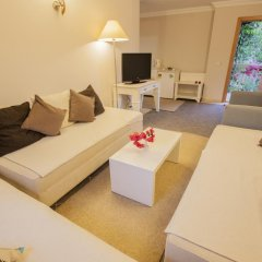 Moonshine Hotel & Suites 3* Люкс с различными типами кроватей фото 10